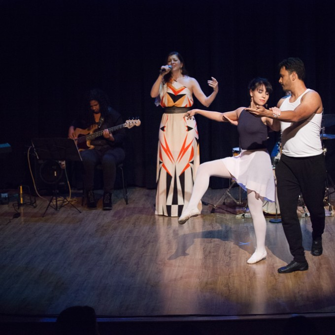 https://farlleyderze.com/wordpress/wp-content/uploads/2016/12/virginia-teatro-livraria-cultura-foto-rodrigojorge-4638.jpg